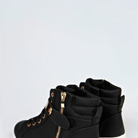 Caggie Plaque Hi Top Trainers