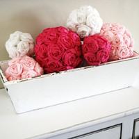 Do It Yourself Wedding Project: Crepe Paper Rose Pomanders | WedShare * Daily