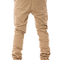 The Sureshot Chino in Tan
