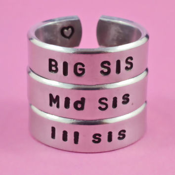 BIG SIS / Mid Sis / lil sis  -  Hand Stamped Rings Set, Shiny Aluminum Rings, Forever Love, Friendship, BFF Gift, Arial Font Version