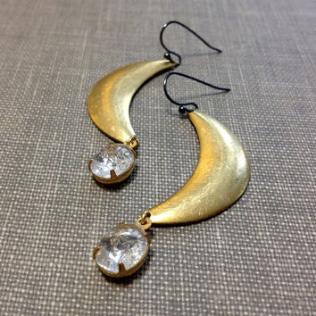 mixed metal gold crescent earrings // brushed metal jewelry // vintage rhinestone earrings // modern crescent earrings // crescent moon