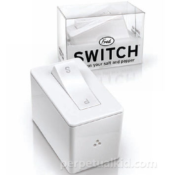 SWITCH! SALT & PEPPER DISPENSER