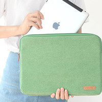 A Low Hill Laptop Pouch