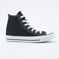 Converse Chuck Taylor High Top Trainers in Black - Urban Outfitters