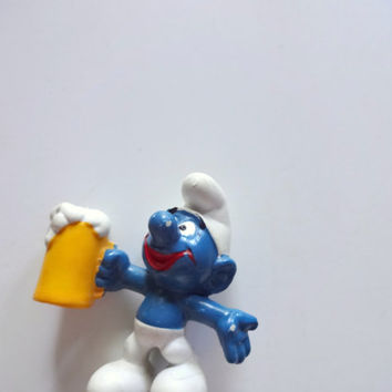 Vintage Beer Drinking Smurf Miniature PVC Toy 1975