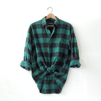 20% OFF SALE / Vintage Plaid Flannel / Grunge Shirt / Boyfriend button up shirt / green checkered lumberjack
