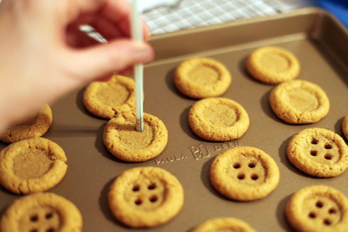 Button cookies!! How freakin adorable!