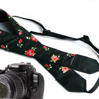 Black Camera strap with flowers. Flowers camera strap.  DSLR Camera Strap. Camera accessories. Canon camera strap. Nikon camera strap.