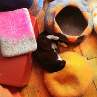 Cat Cave/ cat bed- handmade felt- Orange /Grey - 1 PRICE> size S,M or L