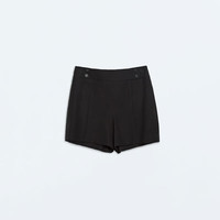 Light wool shorts
