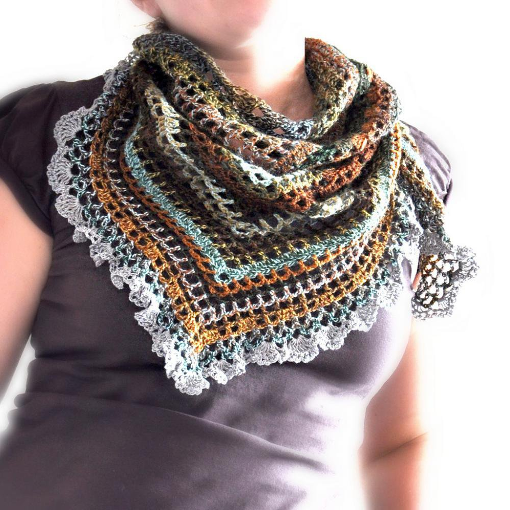 Triangular Crochet Shawl | Luulla