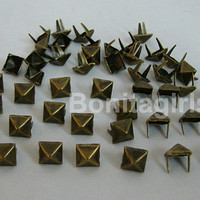 100 PCS 800 mm  Brass Glam Pyramid Studs by bonitagirl14 on Etsy