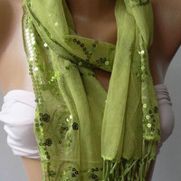 Green Elegance Shawl // Scarf with Lace Edge by womann on Etsy