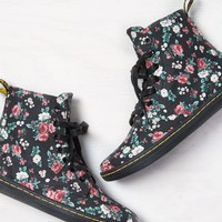 AEO Women's Dr. Martens Hackney Floral Boot (Black)