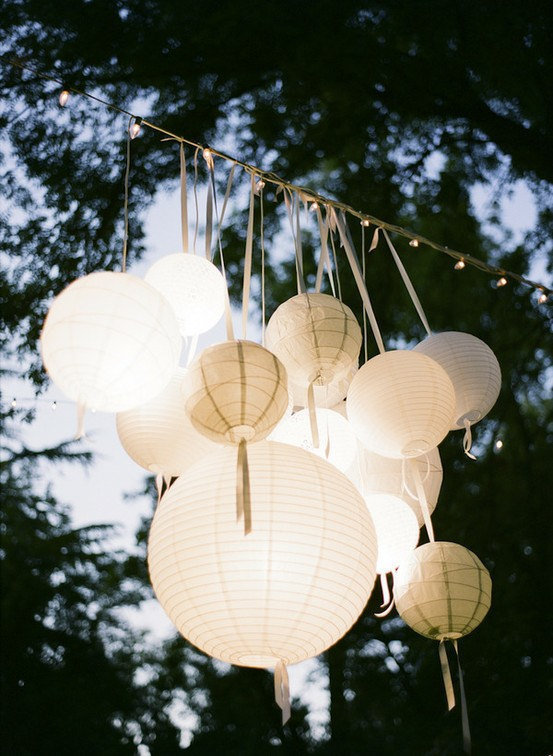 12 paper lanterns white wedding party from sisters520