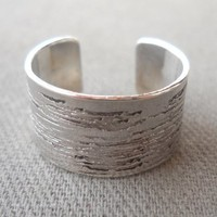 925 Sterling Silver Carved Ring