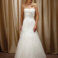 Buy Amazing White A-line Strapless Neckline Organza Wedding Dress under 300-SinoAnt.com