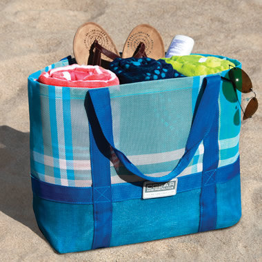 The Sandless Beach Tote.  - Hammacher Schlemmer