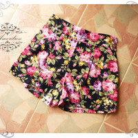 Amor Vintage Inspired Shabby Chic Pink Rose Black Short Pants -Size XS-S-