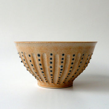 Bowl with a Pair of Wild Ducks (Mallards) in Beige with Blue Dots