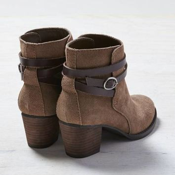 AEO BUCKLE STRAP BOOTIE