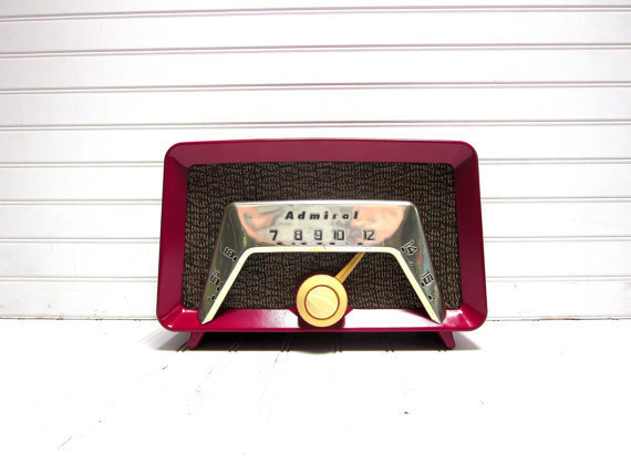 Vintage Radio Red Admiral Model 6C23 AM Radio