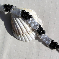 "Black Onyx & Gray Cat's Eye Crystal Gemstone Bracelet - ""Baltica"""