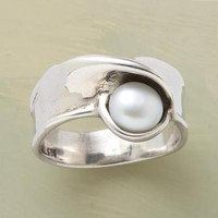 PEARL'S NEST RING