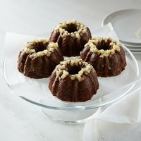 Sweet Things Mini Gingerbread Bundt Cakes