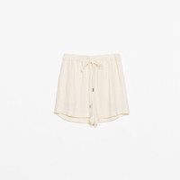 Loose shorts with elastic waist