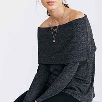 Kimchi Blue Off-The-Shoulder Top - Urban Outfitters