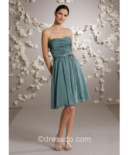 [US$ 92.99] Strapless Sexy Green Knee-length Sleeveless Chiffon Zipper Up Bridesmaid Dress