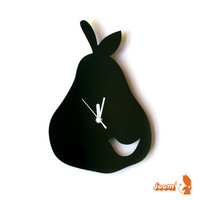 Black Birdie in a Pear Wall Hanging Clock