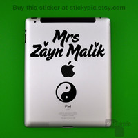 iPad - Mrs Zayn Malik - One Direction - (Laptop Sticker 1D Wall Sticker Decal PC Apple Macbook Mac Geekery)