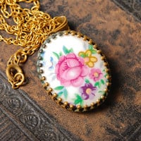 Vintage necklace,  gold plated pendant, with porcelain cabochon