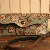 Ginger Wristlet - Leather in Sage, White and Antique Black