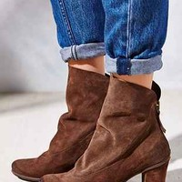 Seychelles Hint Suede Boot - Urban Outfitters