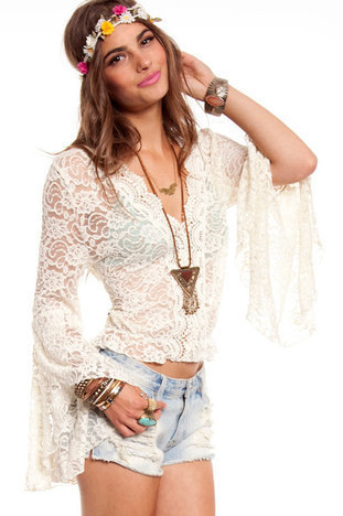 Flower Child Top in Ivory :: tobi