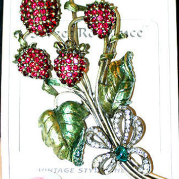 Sweet Romance Jewelry ~ 1940's Vintage Reproduction Sweet Strawberries Brooch