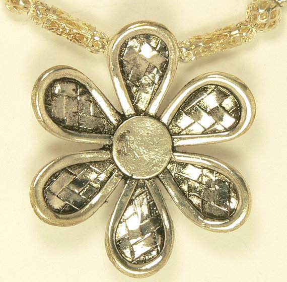 Flower Pendent Necklace, Metal Flower Necklace, Silver Bead Flower Necklace