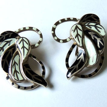Vintage Statement Earrings, Black White, Enameled Earrings, Runway Earrings, Big Leafs,vintage earrings,vintage jewelry (3kbx)