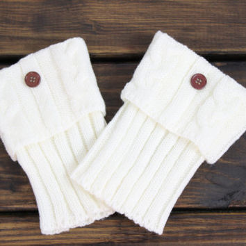 Cable Knitted Boot Cuffs, Women's Boot Socks, Fold over Legwarmers, Button Boot Cuffs, Knit Boot Cuffs, Ivory Boot Cuffs, Boot Cuffs