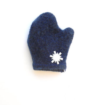 Dark Blue Felted Wool Mitten Ornament with Snowflake, Christmas Tree Ornament, Gift Embellishment, Upcycled
