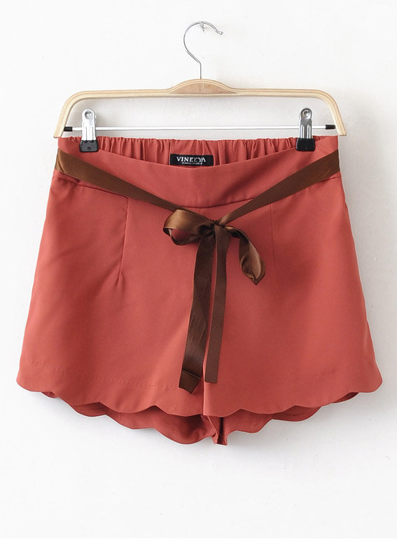 Elastic Ribbon Waist Wave Hem Shorts