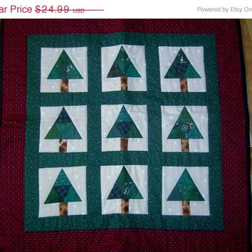 "Christmas tree wallhanging small table quilt appx 25"" square"