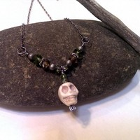 Beaded skull necklace brown and green