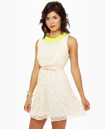 Pina Collar-da Cream Lace Dress