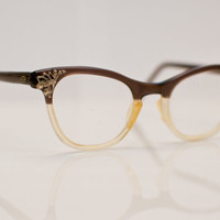 1950s Cateye Glasses: Two-Toned Triumph