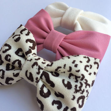 Cheetah, cotton mauve, and winter white bow lot from Seaside Sparrow.  This Seaside Sparrow set makes a perfect gift for her.