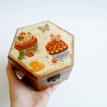 Trinket box decoupage muffins cupcakes